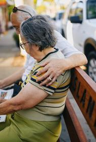 Эксперт Звенигородский объяснил, как получить пенсию умершего супруга