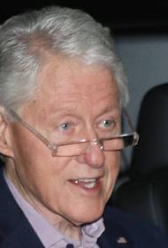 Врачи решили оставить Билла Клинтона в больнице еще на сутки