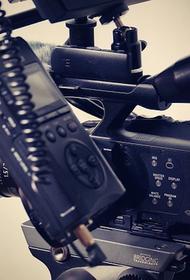 Камера первого в истории киноэкипажа осталась в космосе