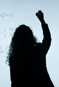 Депутаты Власов и Сипягин предложили установить цены за обучение в вузах в размере восьми прожиточных минимумов