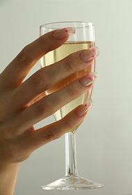 В союзе виноделов России не ожидают дефицита шампанского накануне Нового года