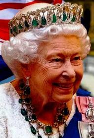 Елизавета II чуть не стала «Старушкой года»