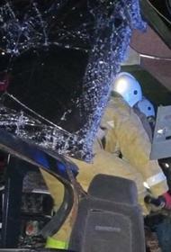 В Калмыкии шесть человек погибли при ДТП с автобусом