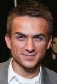 Влад Топалов отмечает свой день рождения: певцу исполняется 36 лет