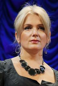 Актриса Мария Порошина призналась, что ей приходится постоянно следить за фигурой