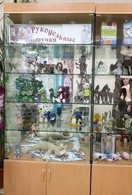 Игрушки, связанные из шерсти, хлопка и удовольствия