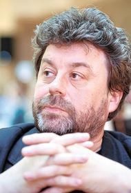 В новой книге писателя Павла Крусанова «Голуби» нет ни слова о голубях