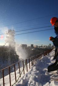 В Перми специалисты  административнотехнической инспекции ежедневно проверяют качество уборки снега и наледи с крыш