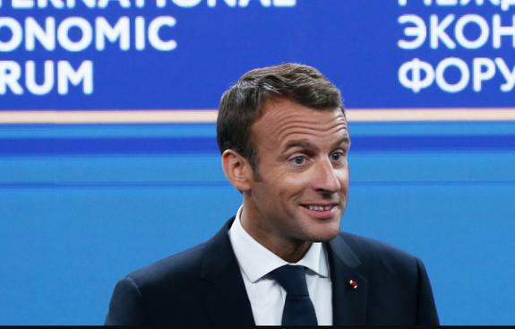 Эксперт: Макрон предложил ЕС метод кнута и пряника