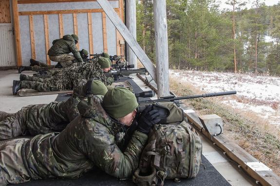 ДНР показала на видео «вселяющих страх» в военных ВСУ снайперов армии республики