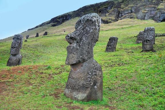На острове Пасхи уфологи обнаружили базу инопланетян
