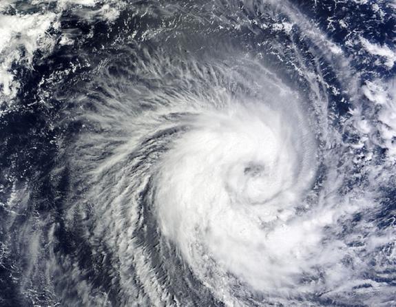 В Индии из-за циклона эвакуируют порядка 800 тысяч человек