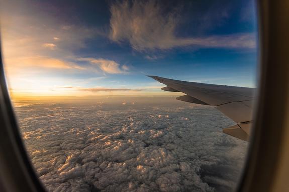 Пилоту стало плохо из-за разгерметизации самолета, летевшего из Минеральных вод в Нур-Султан