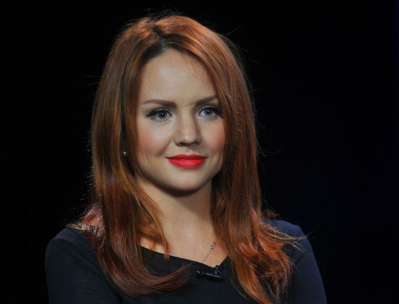 В Москву на частном самолете доставлена певица МакSим, пострадавшая в ДТП