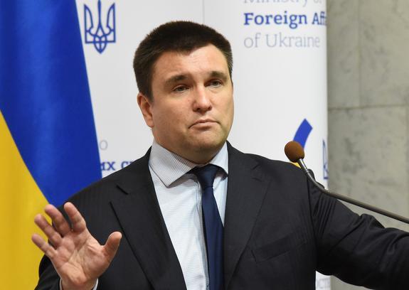 Эксперт оценил планы Климкина предложить свою отставку Зеленскому