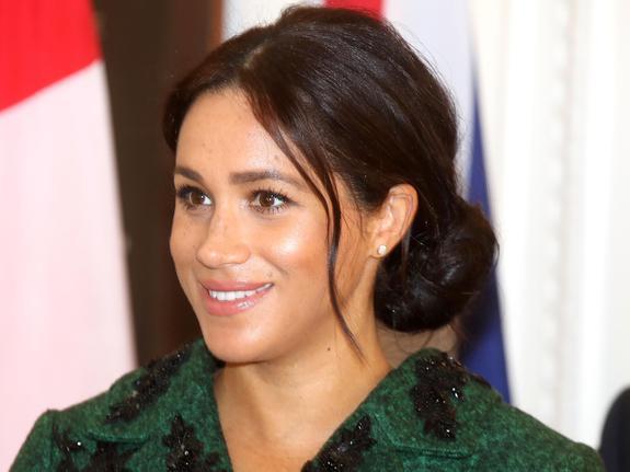 СМИ сообщают, что у жены принца Гарри начались схватки