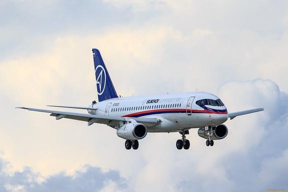Латвия хотела купить самолеты Sukhoi Superjet