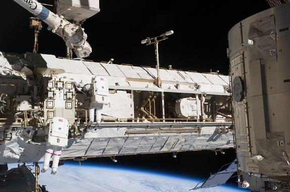 Корабль Dragon пристыковался к МКС