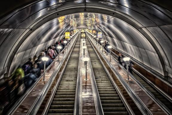 Пассажиров петербургского метро эвакуировали из-за электронной сигареты