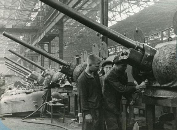 Какую помощь оказывали южноуральцы фронту в годы войны