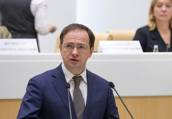 Мединский считает, что российская киноиндустрия способна конкурировать с Голливудом