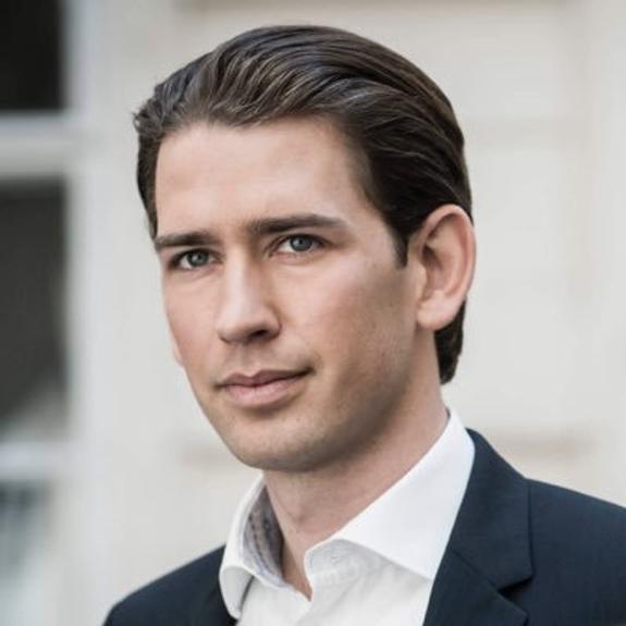 Канцлер Австрии Себастьян Курц предложил провести досрочные  парламентские выборы в максимально короткие сроки