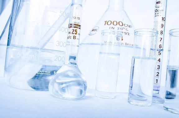 СМИ сообщили об инциденте с разлитым бромом в лаборатории «Сколково»