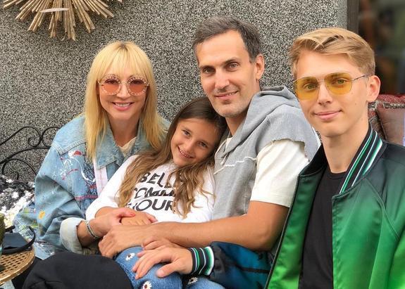 Алла Пугачева поздравила дочь Кристину с днем рождения, опубликовав ее подростковое фото