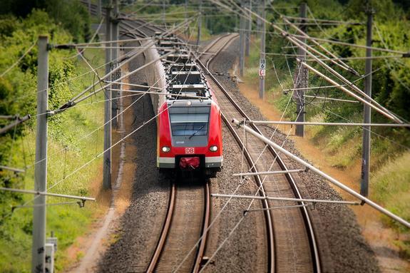 Россияне рассказали, чем питаются в поездах