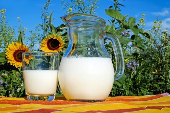 Роспотребнадзор: В ходе проверок изъято более 19 тонн молока и молочной продукции