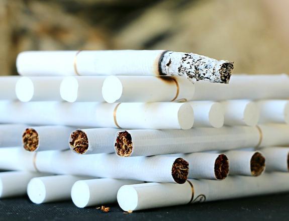 Минздрав одобрил введение экологического сбора с табачных компаний