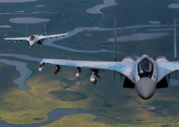 """В Минобороны опровергли информацию о """"небезопасном перехвате"""" Су-35 самолета США"""