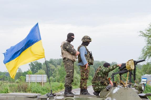 Появилось видео с места нового минометного удара киевских силовиков по столице ДНР
