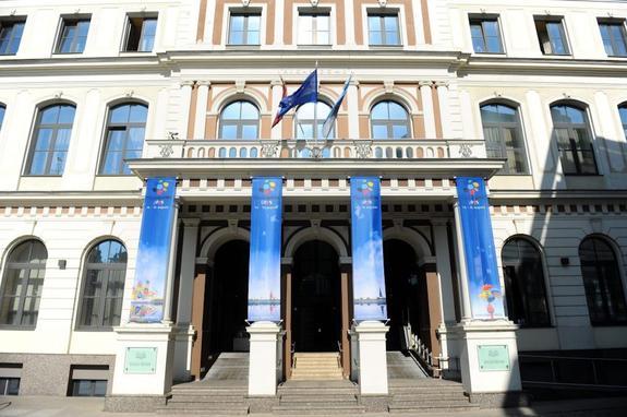 Евродепутат Андрей Мамыкин: «Правительство г-на Кариньша – «зоопарк» наполовину с санаторием»
