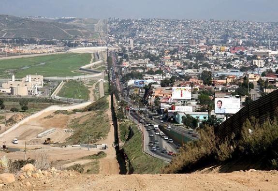 """Трамп объявил о начале """"прекрасного сотрудничества"""" США с Мексикой"""