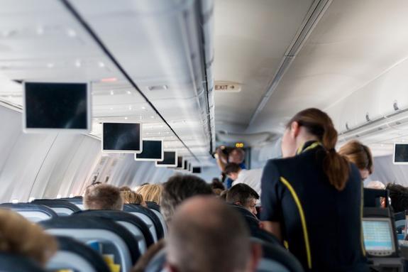 Стюардесса рассказала, как пассажирам выбрать лучшее время для перелета