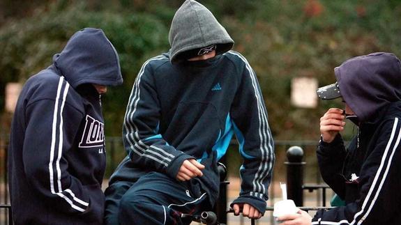 Подростки перенимают законы преступного мира
