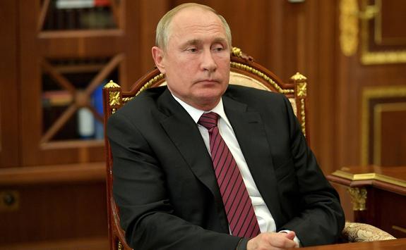 Президент Путин уволил двух генералов МВД после прекращения дела Ивана Голунова