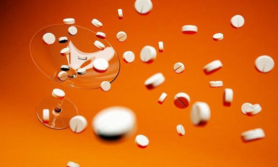 СКР возбудил дело о продаже незарегистрированных в России лекарств от рака через интернет