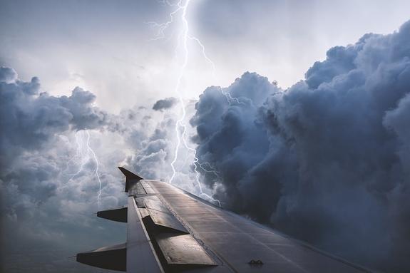 В аэропорту Краснодара совершил жесткую посадку самолет