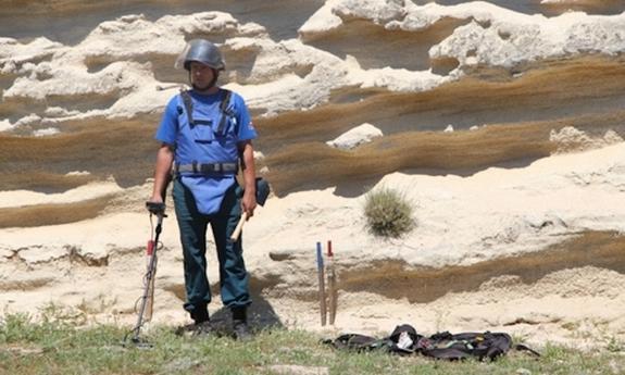 Специалисты Центра по проведению спасательных операций «Лидер» в Керчи приступили к поиску бомб