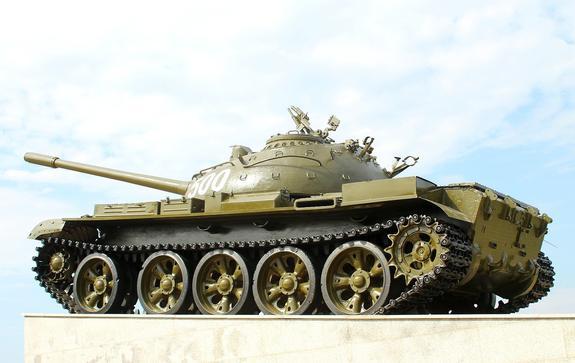Пьяный житель Польши проехался по городу на танке