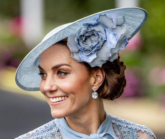 СМИ подозревают, что скоро жена принца Уильяма станет матерью в четвертый раз