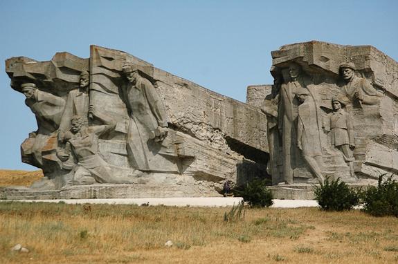 Аджимушкайские каменоломни. «Проклятое» прошлое, «леденящее душу» и меняющее жизни
