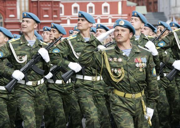 Двое российских десантников погибли в Крыму