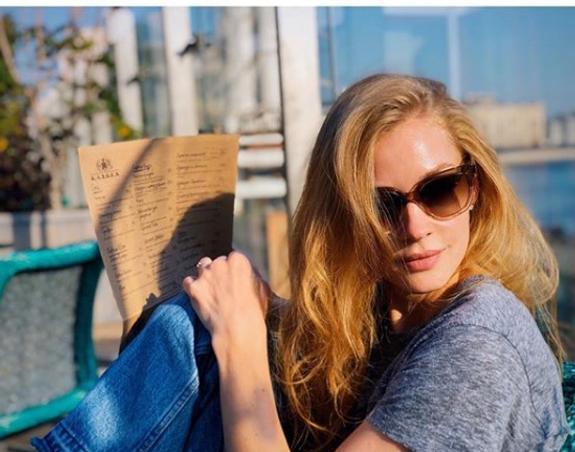 Светлана Ходченкова оригинально поздравила звёздную подругу с юбилеем