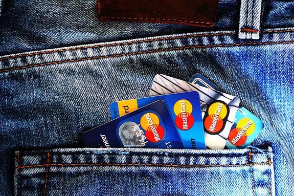 ЦБ прокомментировал  сообщения о возможном  уходе  Visa и MasterCard из России