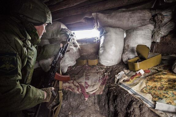Снятое дроном видео уничтожения позиции ДНР под Горловкой выложил волонтер ВСУ
