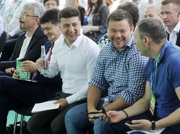 Эксперт назвал оружие команды Владимира Зеленского в противостоянии с Россией