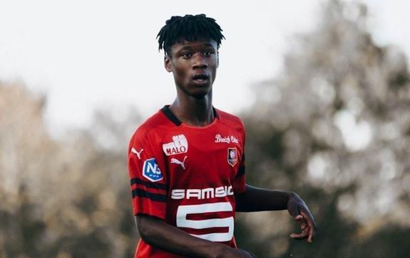 16-летний Эдуардо Камавинга - очередной вундеркинд французской Лиги 1